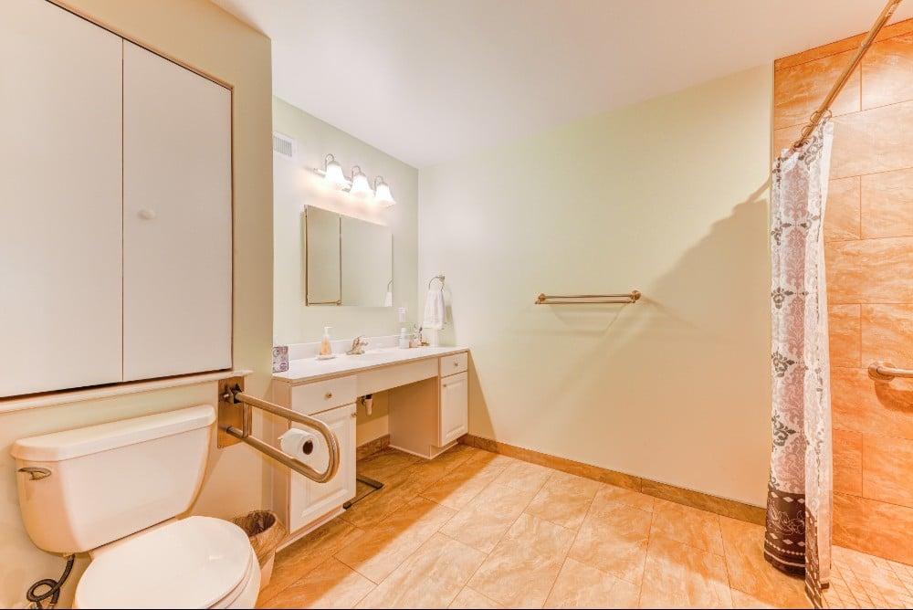 Willow Grove Bathroom 15