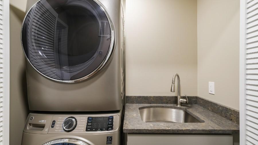 Chattin laundry DSCF0227-Edit