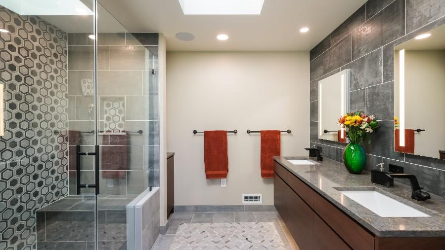 Chattin primary bath DSCF0257-Edit