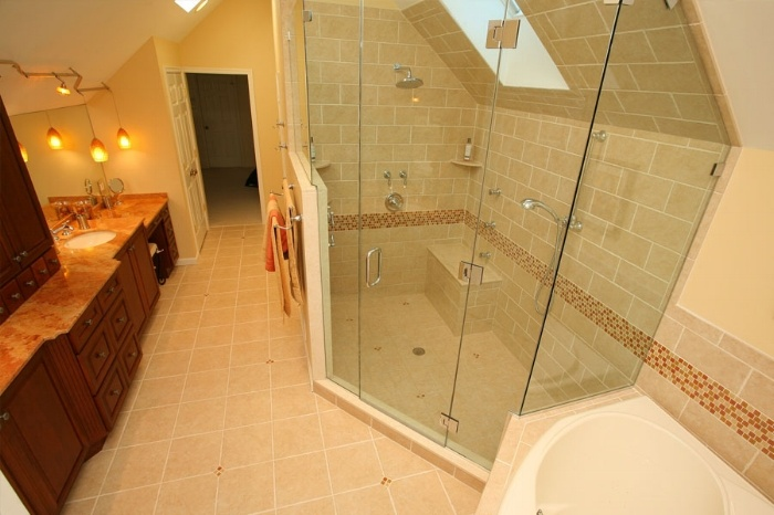 Drew Bathroom.jpg