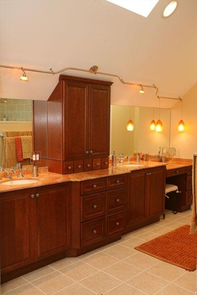 Drew Bathroom 02.jpg