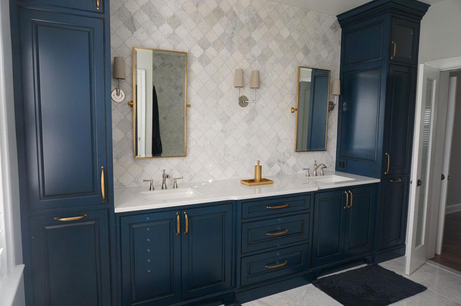 Nagel-bathroom-Brass-and-Navy.jpg