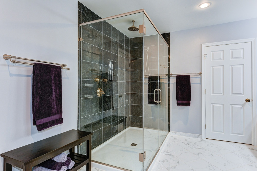 10 Showers That Will Give You Major Bathroom Envy!